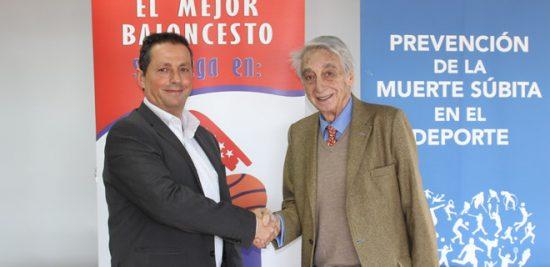 Juan Martín Caño y Francisco Chacón tras firmar el convenio en la sede de la FBM.