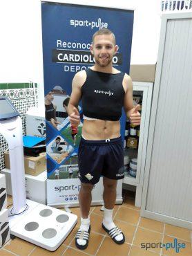 Diego González del Betis Deportivo pasa los RCD de Sport·Pulse